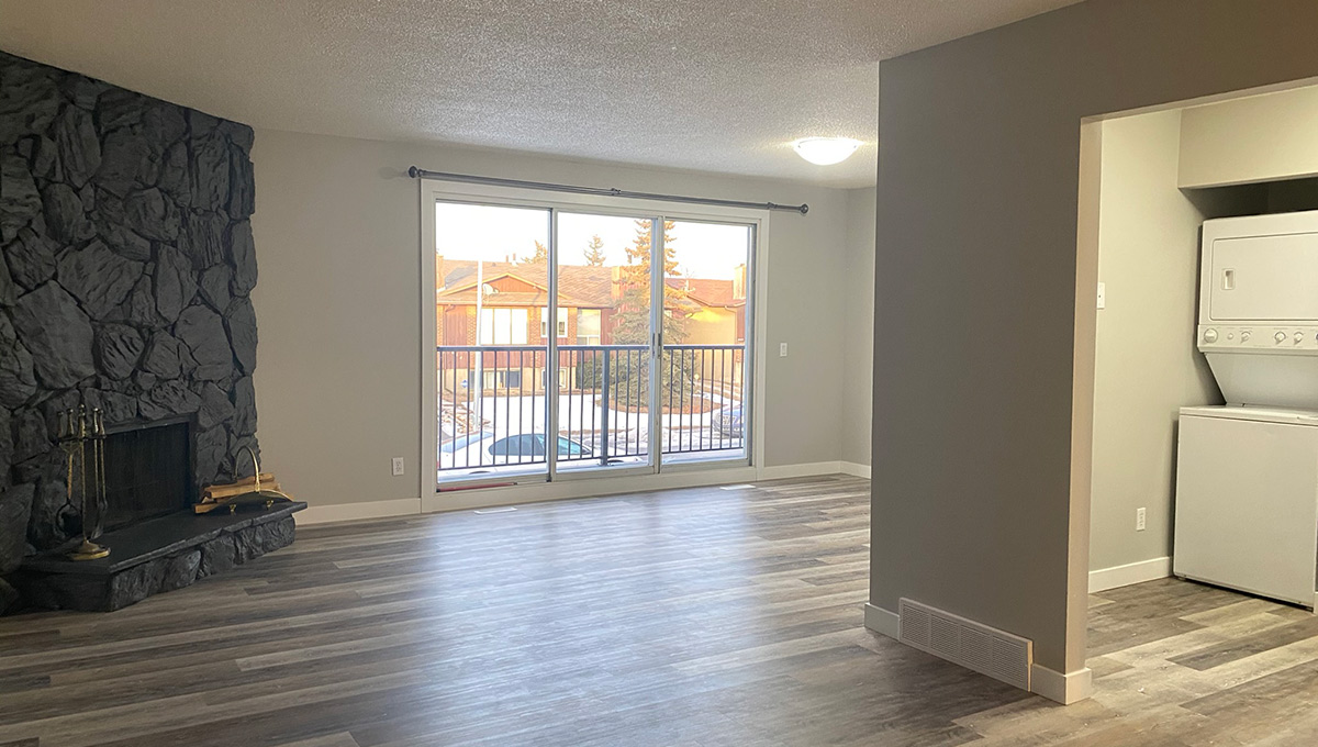 Fully Renovated 2 Bedroom Main Floor All Inclusive